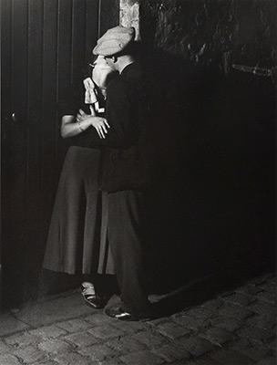 <em>Couple d'Amoureux, Quartier Italie</em>, 1931<br>Gelatin sliver print
